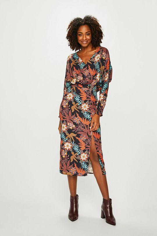 Answear - Šaty Nomad viacfarebná