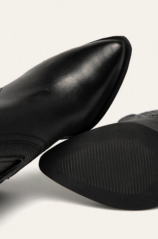 černá Answear - Nízké kožené kozačky