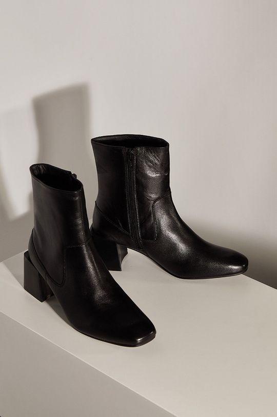 Answear.LAB limitovaná kolekcia - Kožené členkové topánky čierna