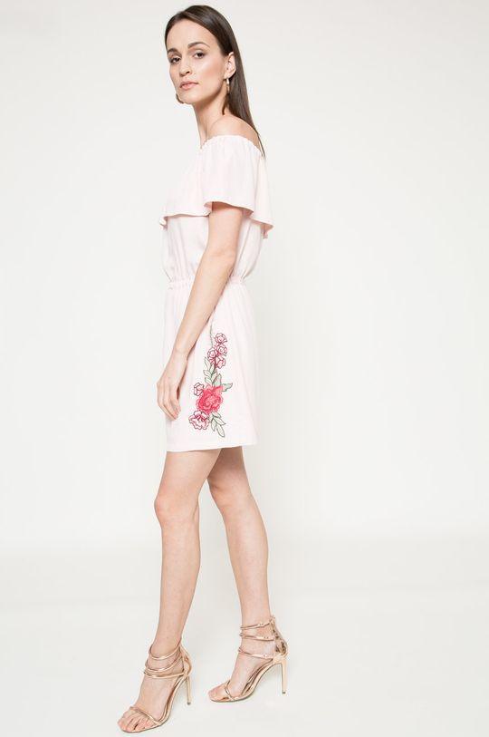 pastelová ružová Answear - Šaty Because of you