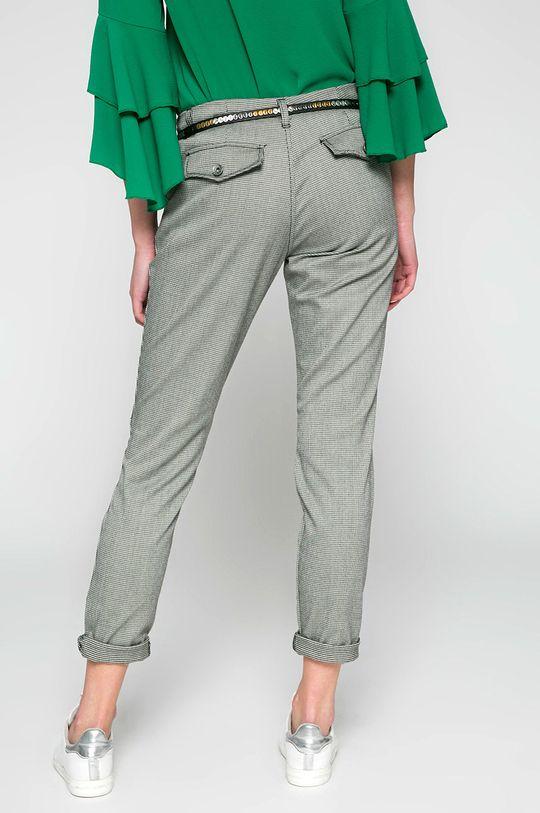 Answear - Nohavice <p>70% Bavlna, 5% Elastan, 25% Polyester</p>