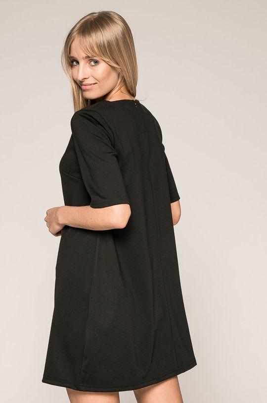Answear - Šaty <p>5% Elastan, 70% Polyester, 25% Viskóza</p>