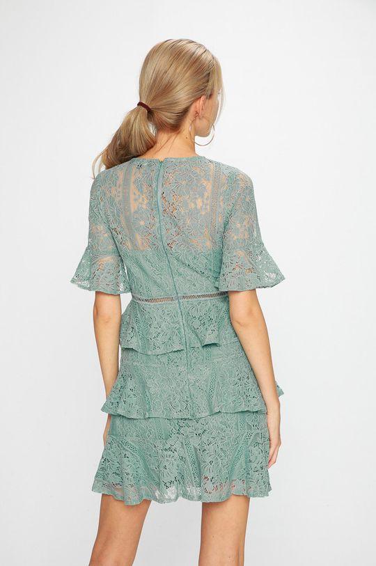 Answear - Šaty <p>Podšívka: 100% Polyester Základná látka: 60% Bavlna, 40% Nylón</p>