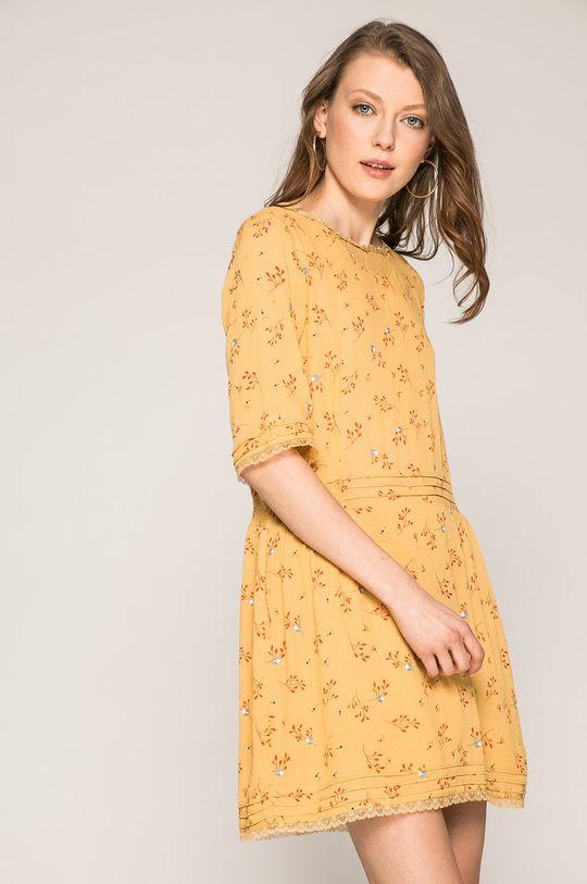 žltá Answear - Šaty Wild Nature Dámsky