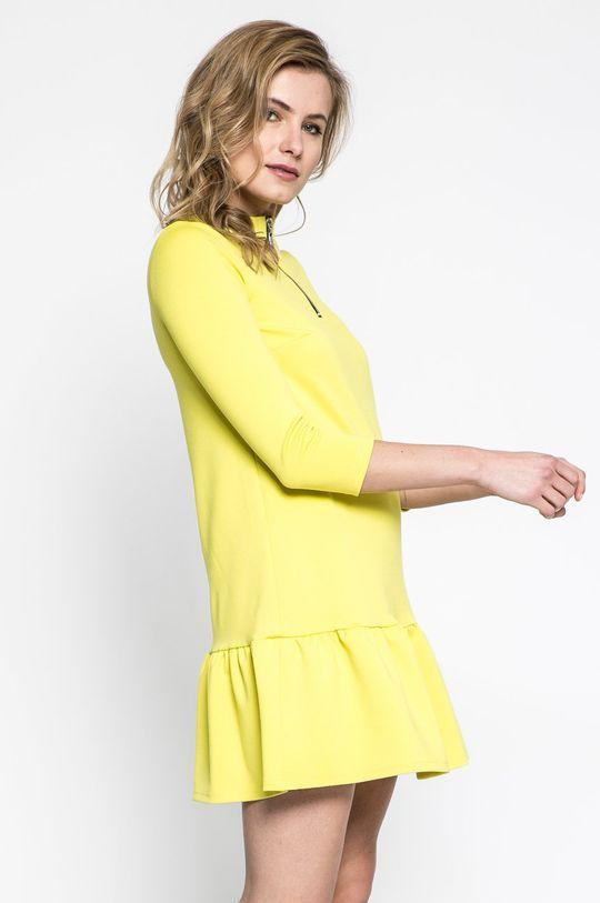 žltá Answear - Šaty Sportu Fusion Dámsky