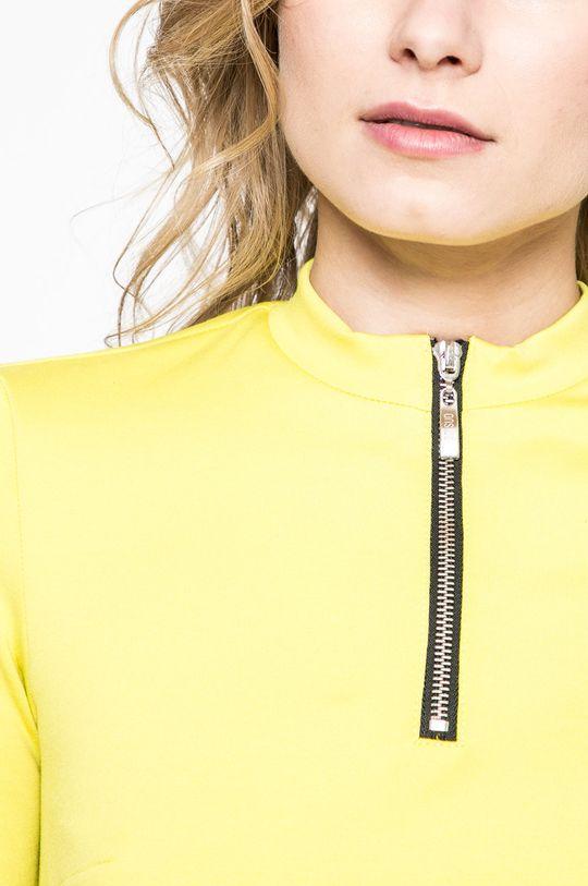 žltá Answear - Šaty Sportu Fusion