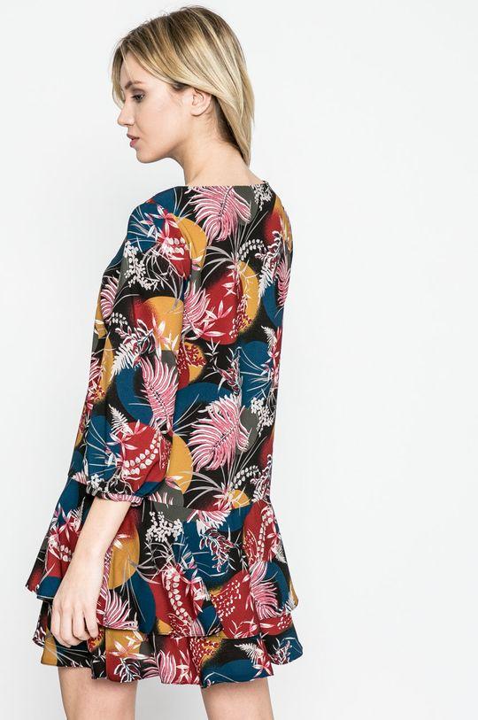 Answear - Šaty <p>4% Elastan, 96% Polyester</p>
