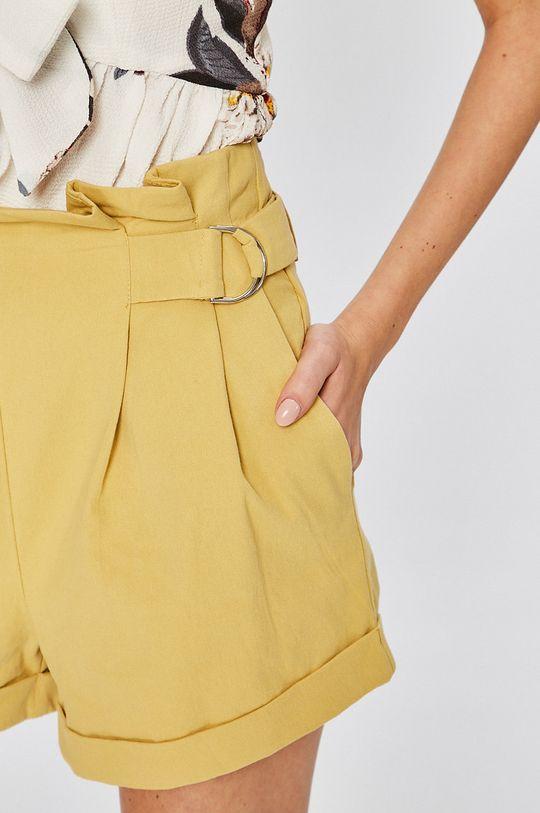 žltá Answear - Šortky