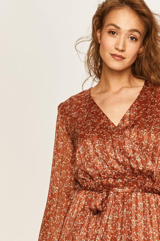 ostrá červená Answear - Šaty