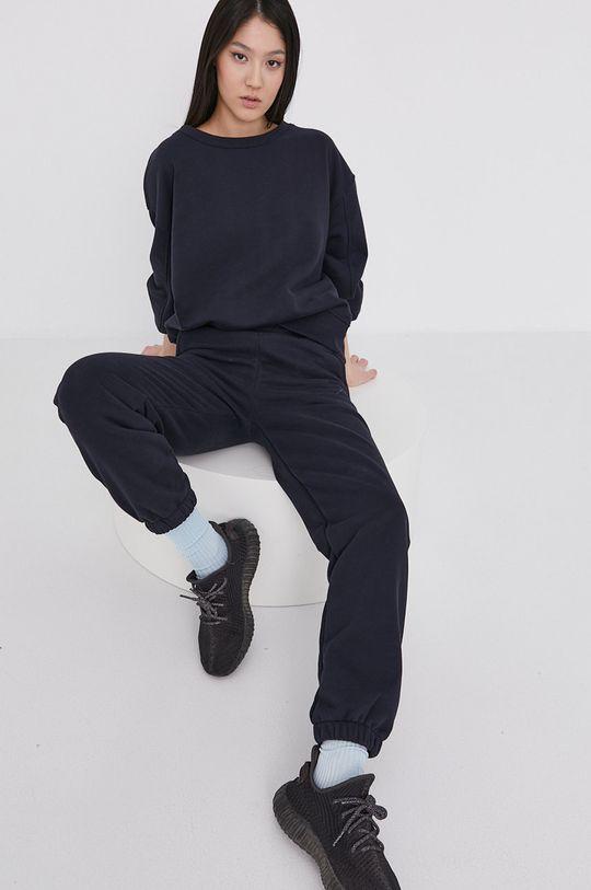 Answear Lab - Spodnie Natural Flow granatowy