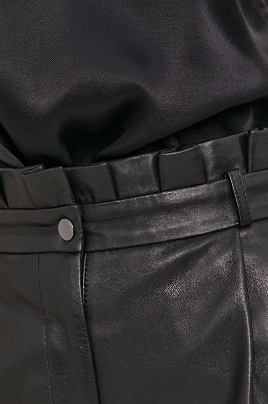 Answear Lab - Kožené šortky z narozeninové kolekce Dámský
