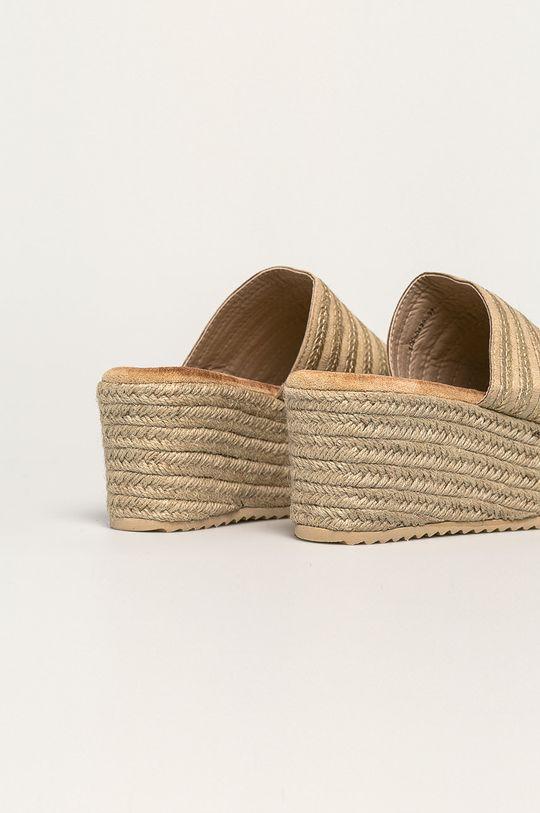 Answear - Чехли  Горна част: Текстилен материал Вътрешна част: Синтетичен материал, Текстилен материал Подметка: Синтетичен материал