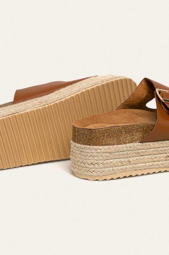 Answear - Pantofle Buanarotti Svršek: Umělá hmota Vnitřek: Textilní materiál Podrážka: Umělá hmota