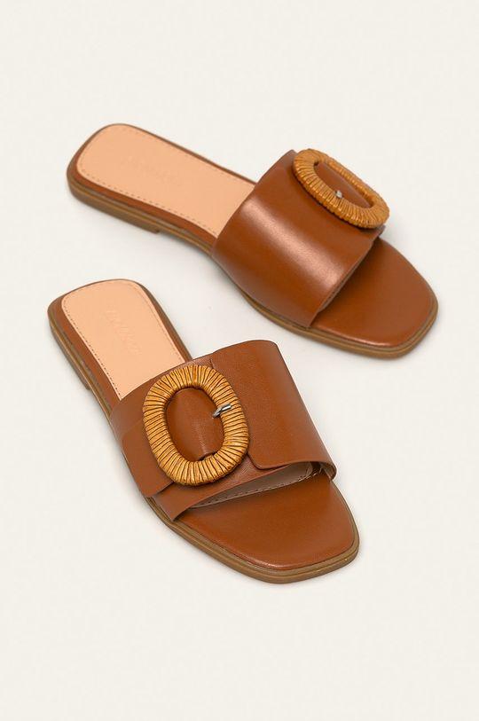 Answear - Pantofle Buanarotti zlatohnědá