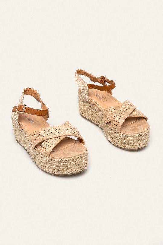Answear - Sandále Woman Key béžová