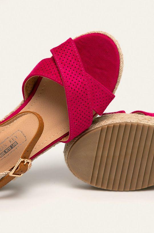 fuksia Answear - Sandále Woman Key