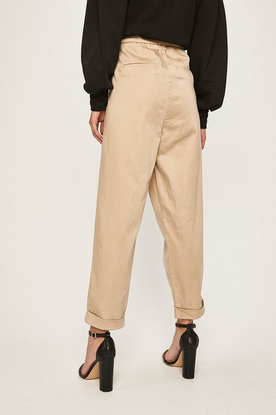 Answear - Pantaloni 36% Viscoza, 32% Poliamida, 30% In, 2% Elastan