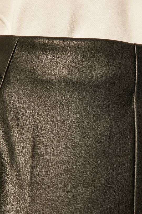 negru Answear - Pantaloni scurti