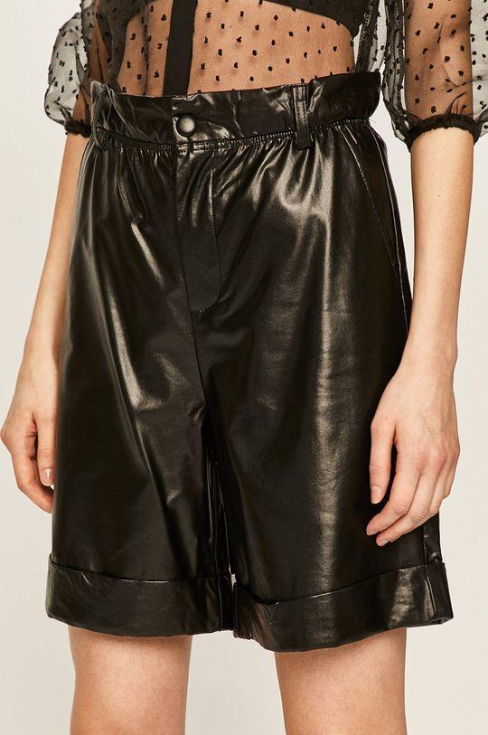 черен Answear - Къси панталони Жіночий