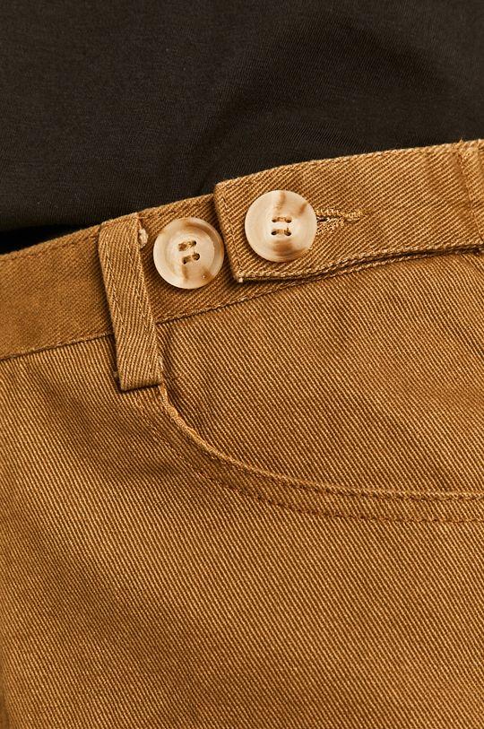 jantarová Answear - Džínové šortky