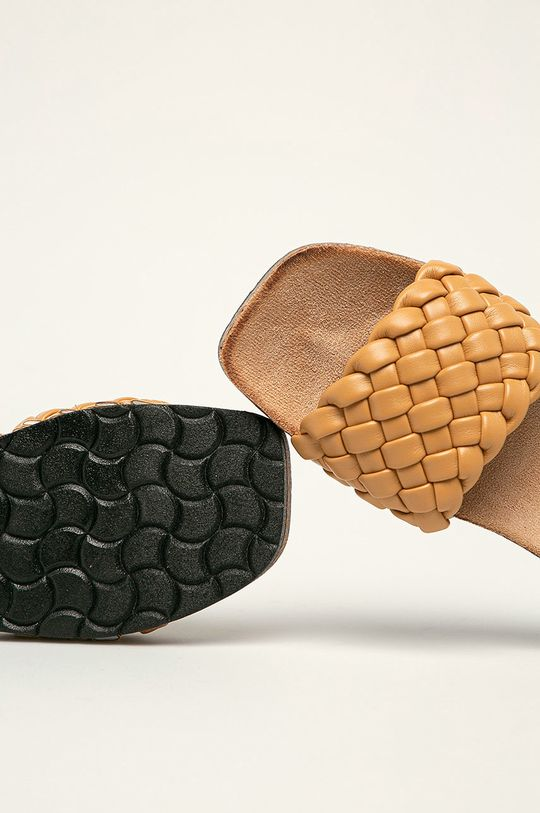 zlatohnědá Answear Lab - Pantofle Sweet Shoes