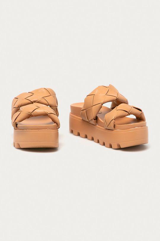 Answear Lab - Pantofle Moda Plus zlatohnědá