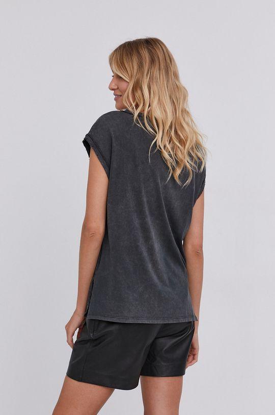 T-shirt answear.LAB X kolekcja limitowana GIRL POWER, model HAND DYED <p>100 % Bawełna</p>