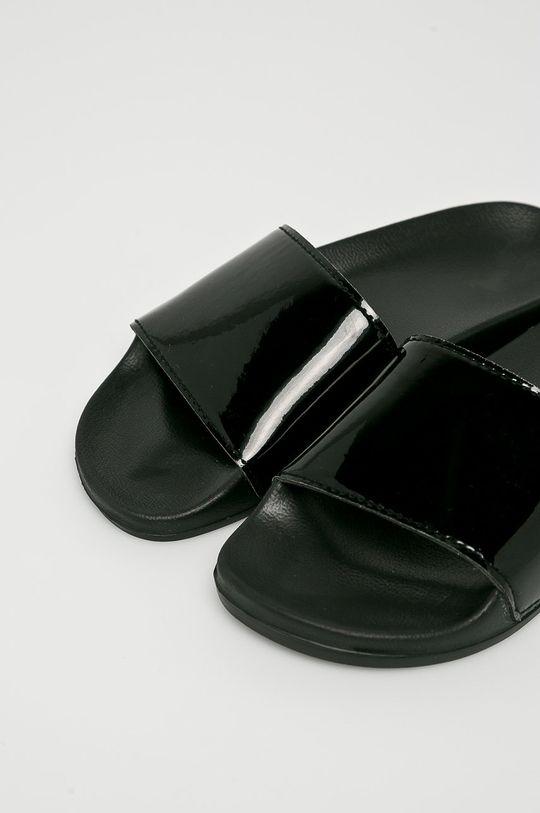 Answear - Šľapky Vices čierna