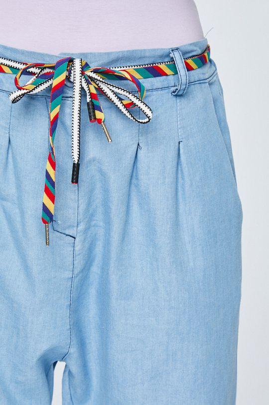 Answear - Nohavice Boho Bandit <p>65% Bavlna, 17% Polyester, 18% Viskóza</p>