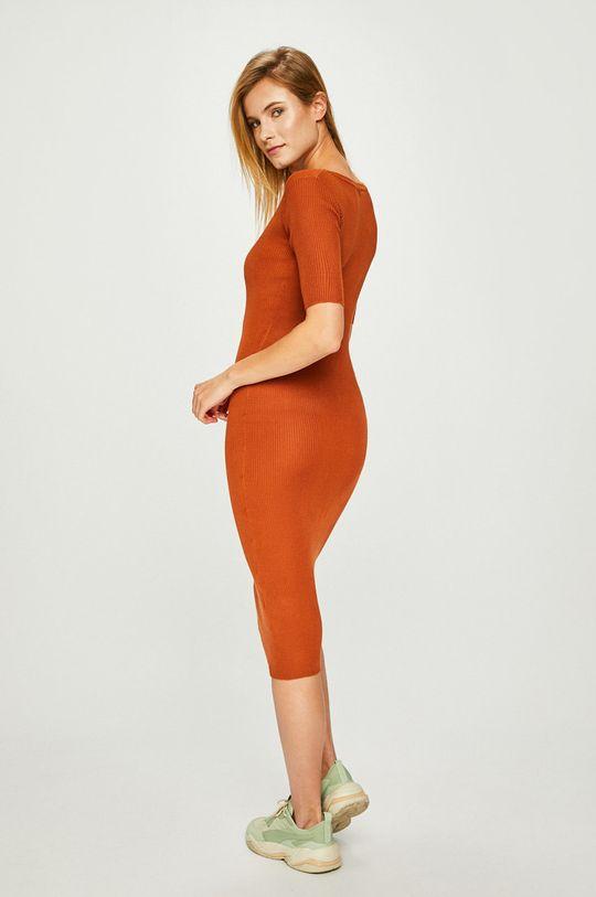 Answear - Šaty <p>Základná látka: 100% Akryl</p>