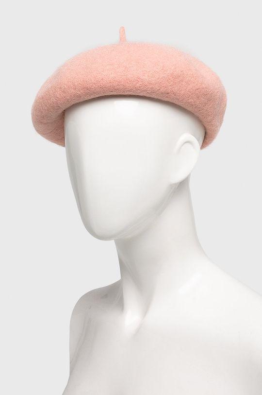Answear - Baret pastelově růžová