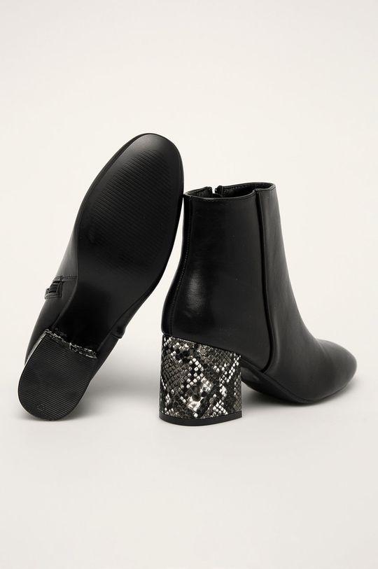 Answear - Členkové topánky R and B  Zvršok: Syntetická látka Vnútro: Syntetická látka, Textil Podrážka: Syntetická látka