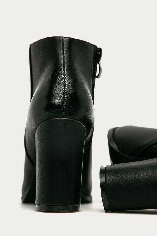 Answear - Členkové topánky R and B  Zvršok: Syntetická látka Vnútro: Textil Podrážka: Syntetická látka