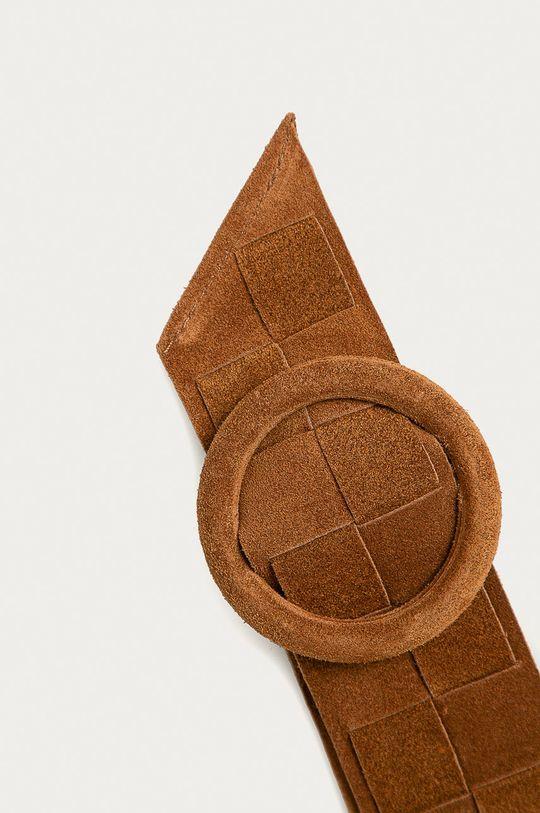 Answear Lab - Kožený pásek zlatohnědá