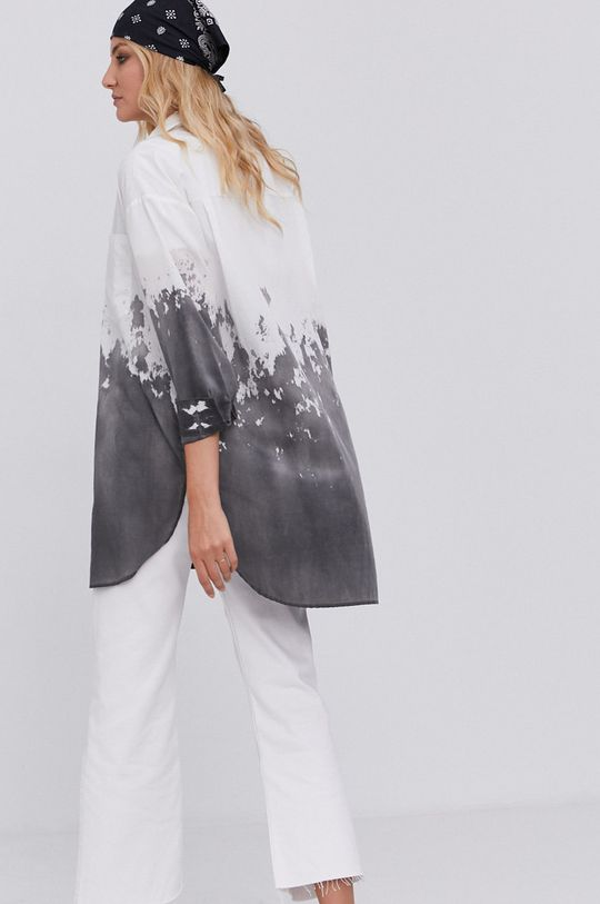 Koszula answear.LAB X kolekcja limitowana GIRL POWER, model HAND DYED <p>90 % Bawełna, 10 % Poliester</p>