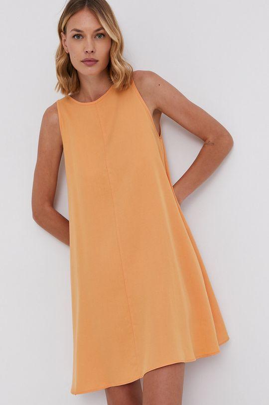 Answear Lab - Šaty oranžová
