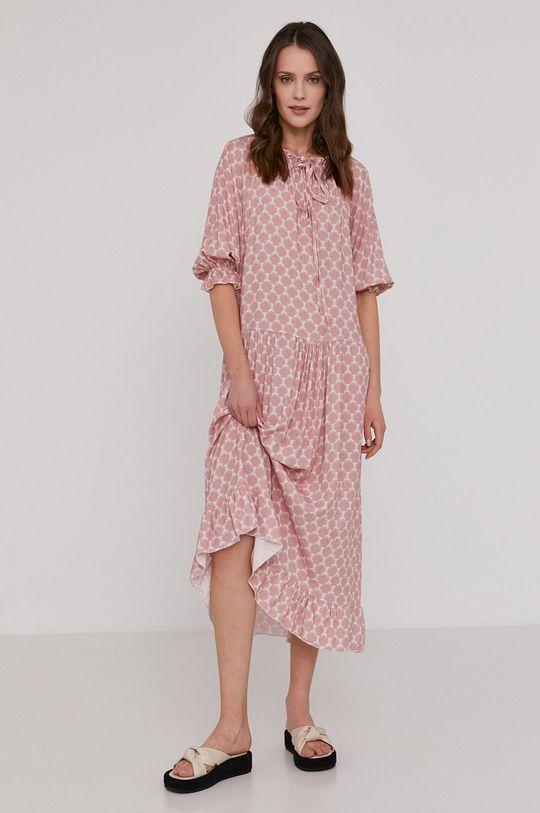 ružovo-červená Answear Lab - Šaty Dámsky
