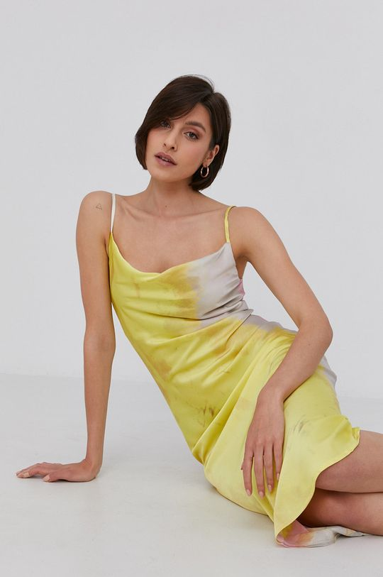 žlutá Answear Lab - Šaty Dámský