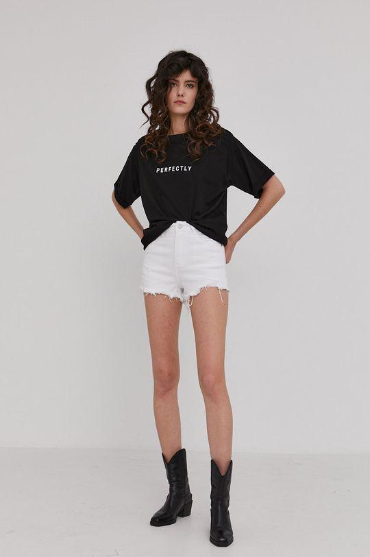 Answear Lab - Rifľové krátke nohavice biela