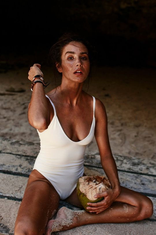 biela MUUV - Plavky Cleavage Plunge Dámsky