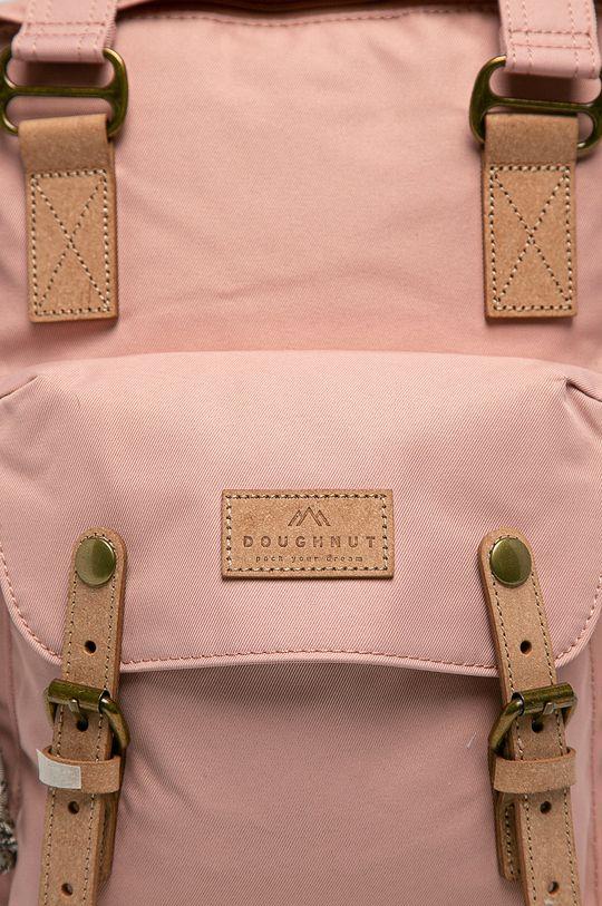 Doughnut - Ruksak Macaroon Reborn Pink  Základná látka: 10% Prírodná koža, 90% Recyklovaný polyester 2. látka: 100% Recyklovaný polyester