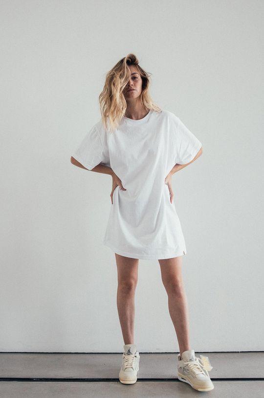 biela MUUV - Šaty Boyfriends Tshirt Dámsky