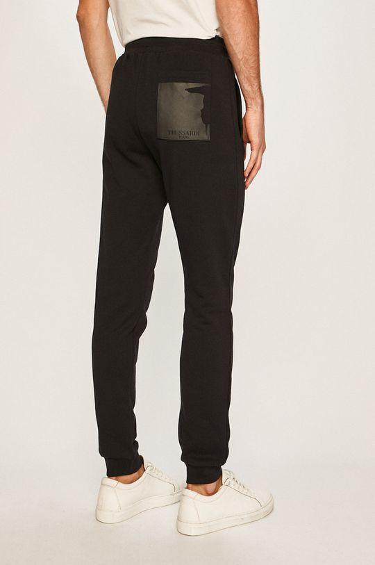 Trussardi Jeans - Kalhoty Hlavní materiál: 100% Bavlna Provedení: 95% Bavlna, 5% Elastan