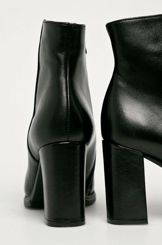 Wojas - Kožené členkové topánky  Zvršok: Prírodná koža Vnútro: Textil, Prírodná koža Podrážka: Syntetická látka