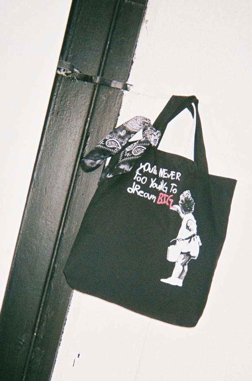Medicine - Poseta Banksy's Graffiti answear.ro