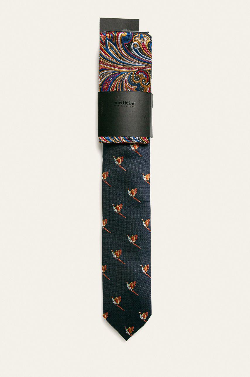 Medicine - Cravata si batista de buzunar imagine 2020