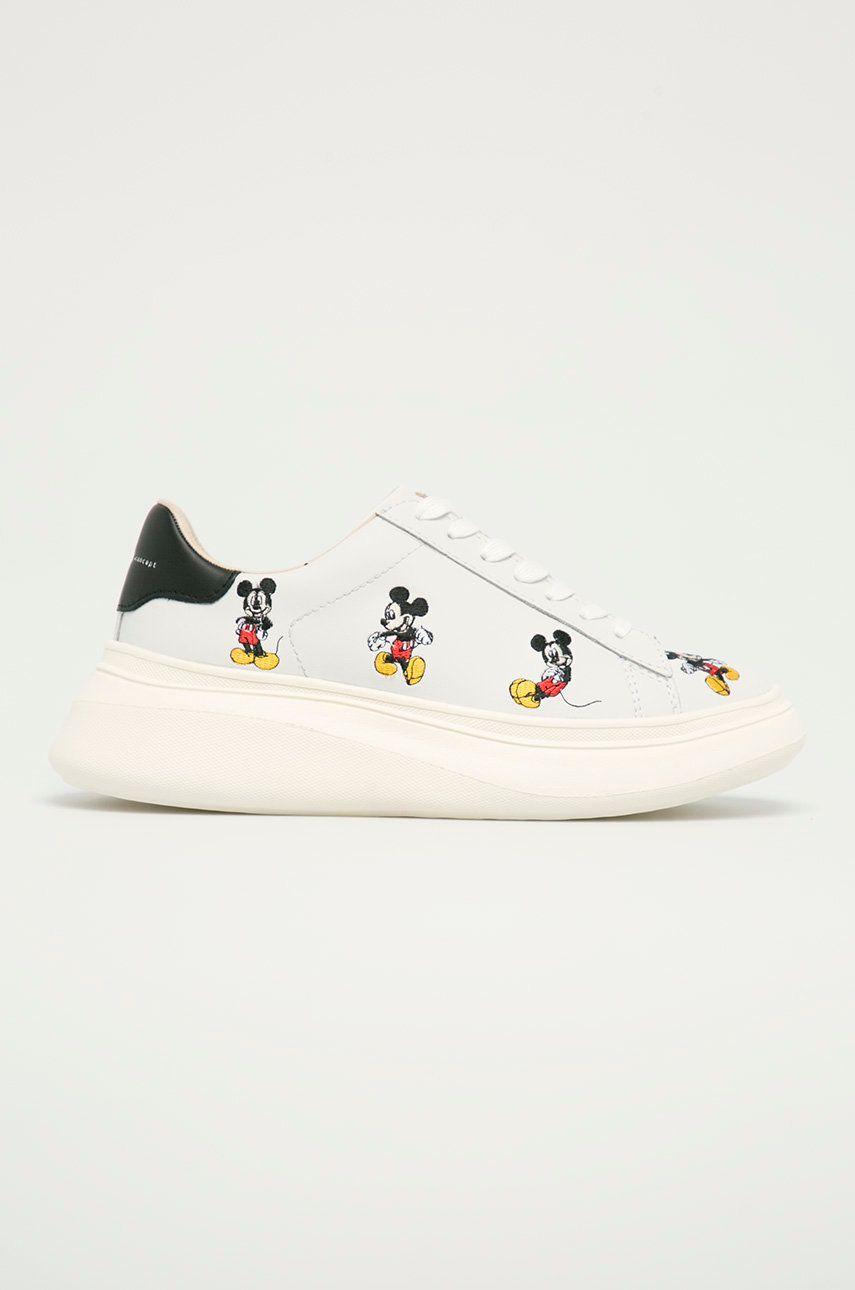 MOA Concept - Ghete de piele X Disney