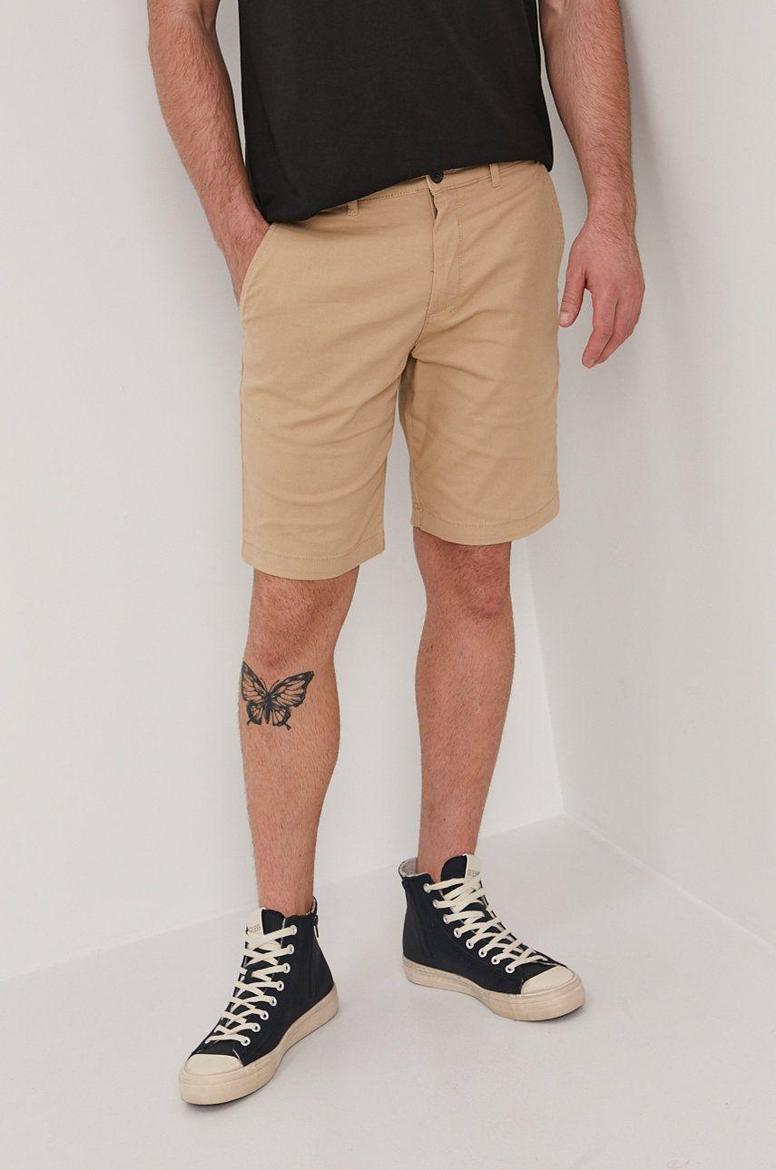 Lyle & Scott - Pantaloni scurti answear.ro