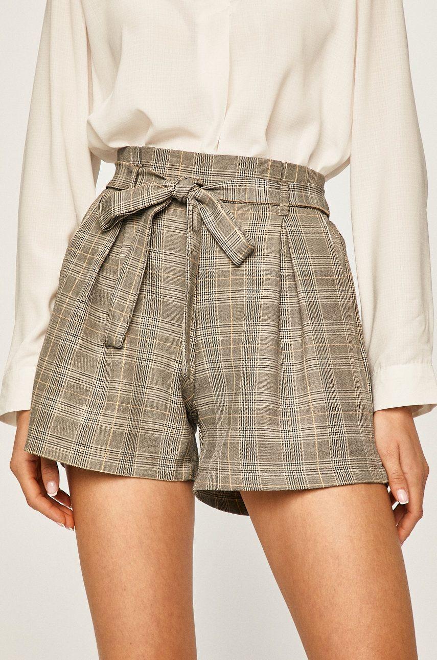 Answear - Pantaloni scurti poza answear