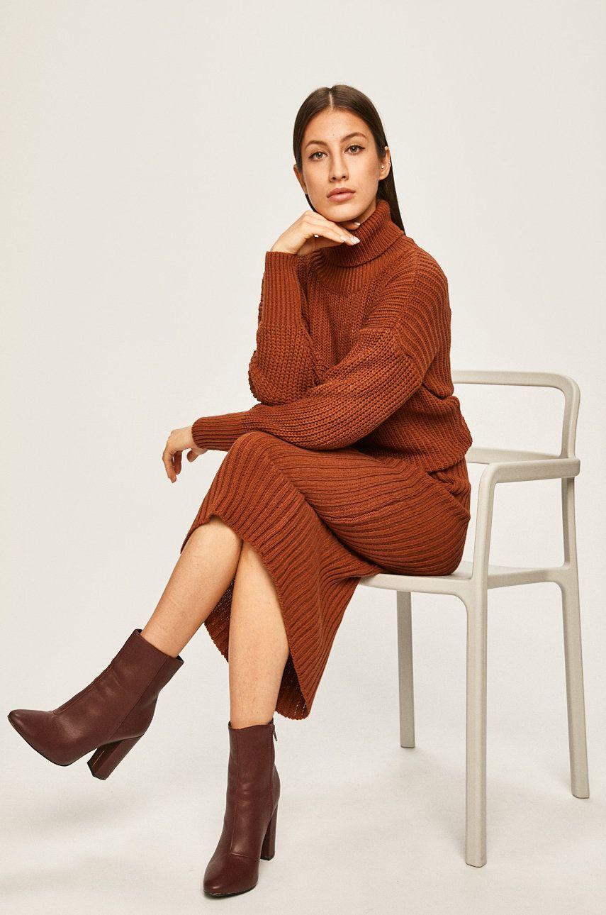 Answear - Compleu pulover + fusta